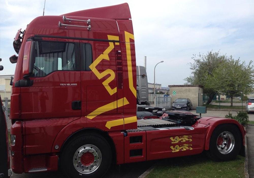 marquage-camion-adhesif-rouen-marquage-camion-adhesif-paris-marquage-camion-entreprise-rouen-adhesif-sityoka-design