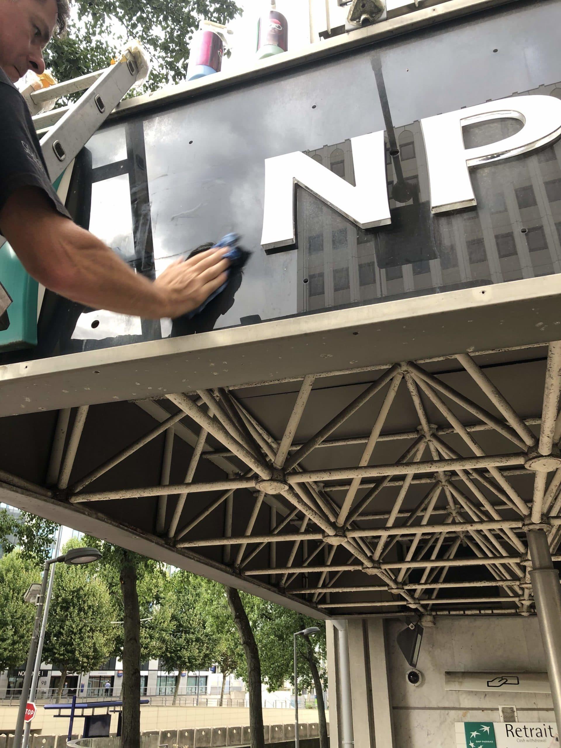 enseigne-agence-bancaire-bnp-paribas-lettrages-agence-bancaire-rénovation-agence-bancaire-caen-sityoka-design